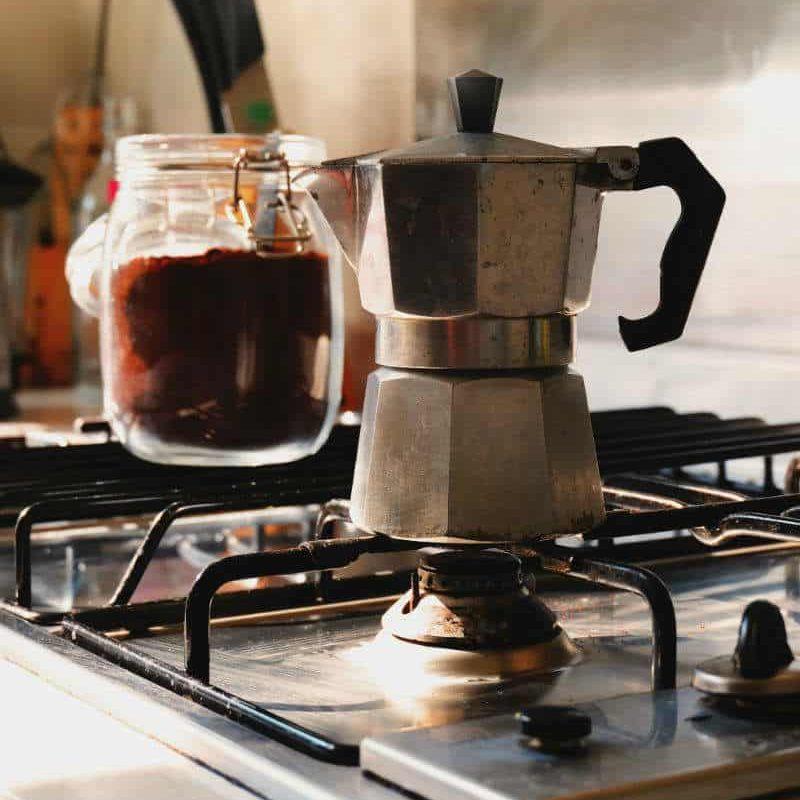 kawiarka na płycie grzewczej