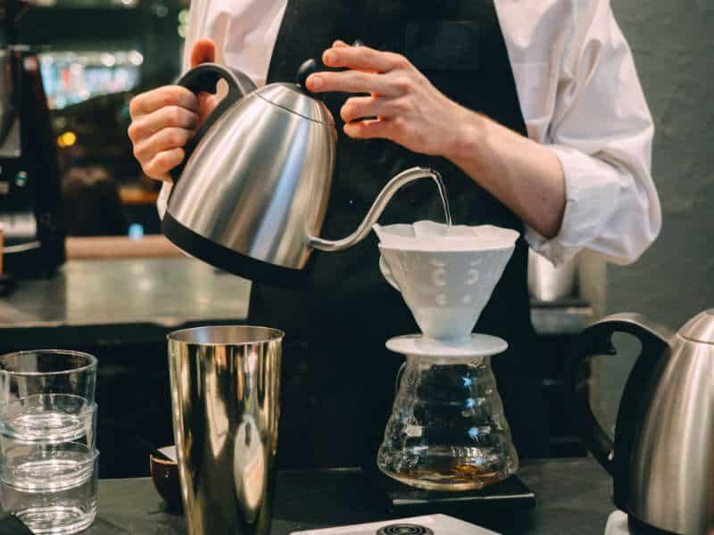 parzenie kawy w Hario V60